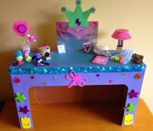 Cupcakes and Lace 18'' Doll Bedroom Vanity Pic 1