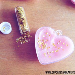 www.cupcakesandlace.com